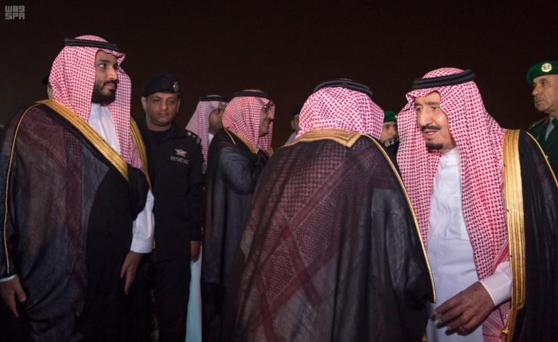 وصول الملك الى الرياض3