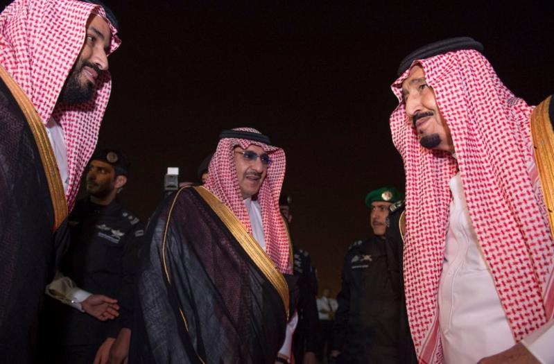 وصول الملك الى الرياض4
