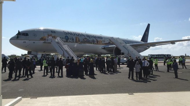 وصول اول رحلة سعودية إلى المالديف (2)