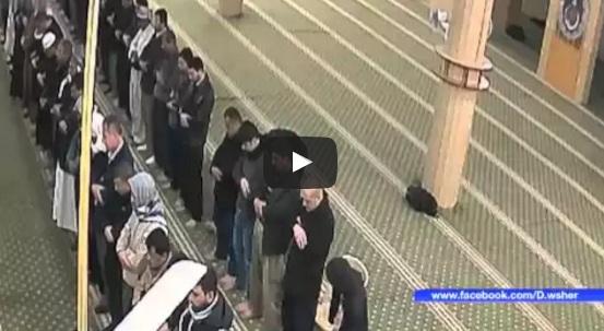 وفاة رجل يصلي