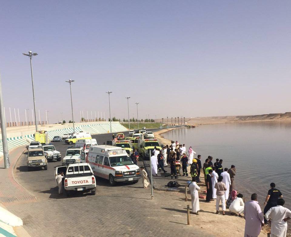 وفاة شابين غرقا في بحيرة دومة الجندل بالجوف  (3)
