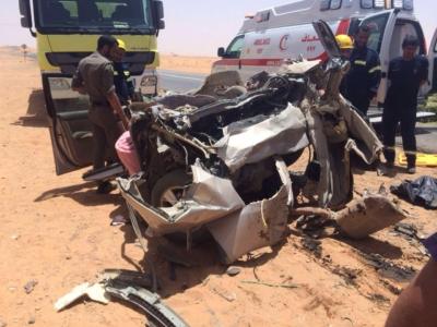 وفاة شخص وإصابة إثنين بحادث شنيع (1)
