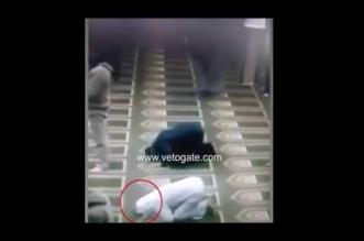بالفيديو.. لحظة وفاة مُصَلٍّ وهو ساجد في صلاة العشاء - المواطن