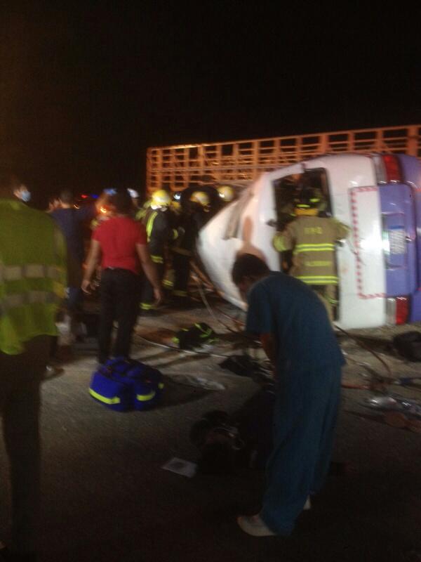 وفاة 11 مقيمًا وإصابة 14 في حادث سير بـ #الأحساء (2)