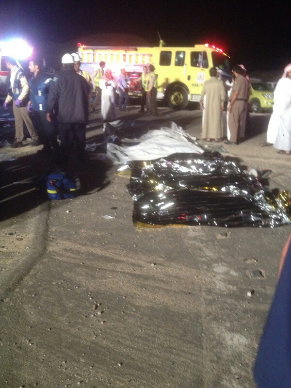 وفاة 11 مقيمًا وإصابة 14 في حادث سير بـ #الأحساء (5)