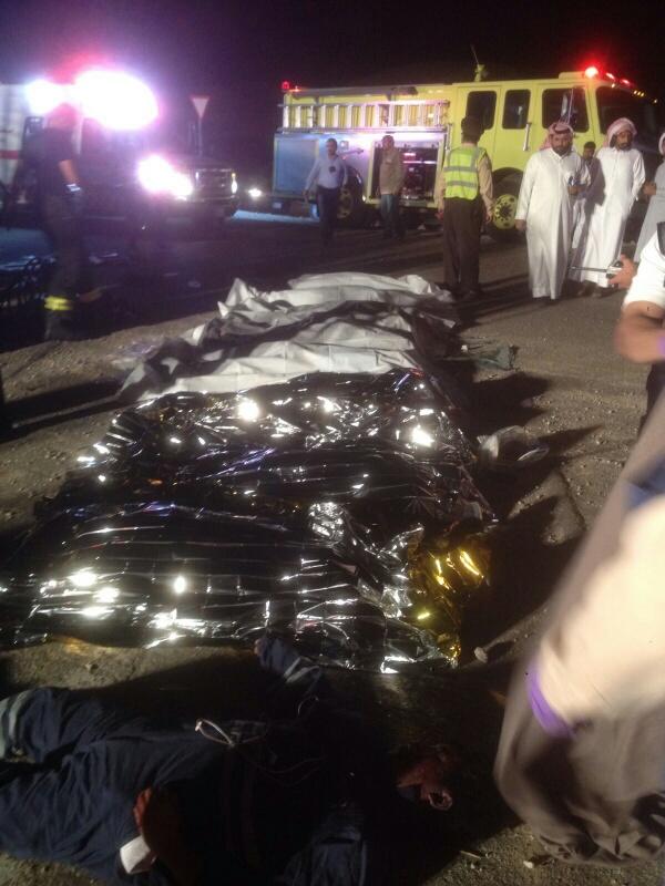 وفاة 11 مقيمًا وإصابة 14 في حادث سير بـ #الأحساء (9)