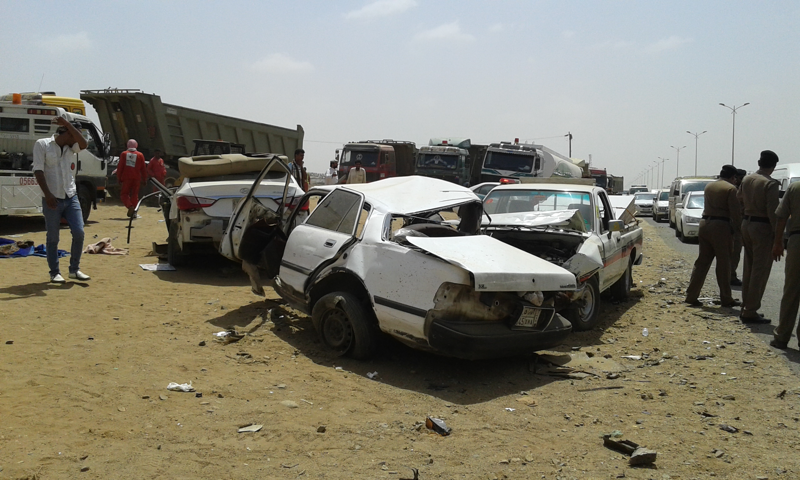 وفاتين و4 إصابات حرجة في حادت تصادم بجازان (12)