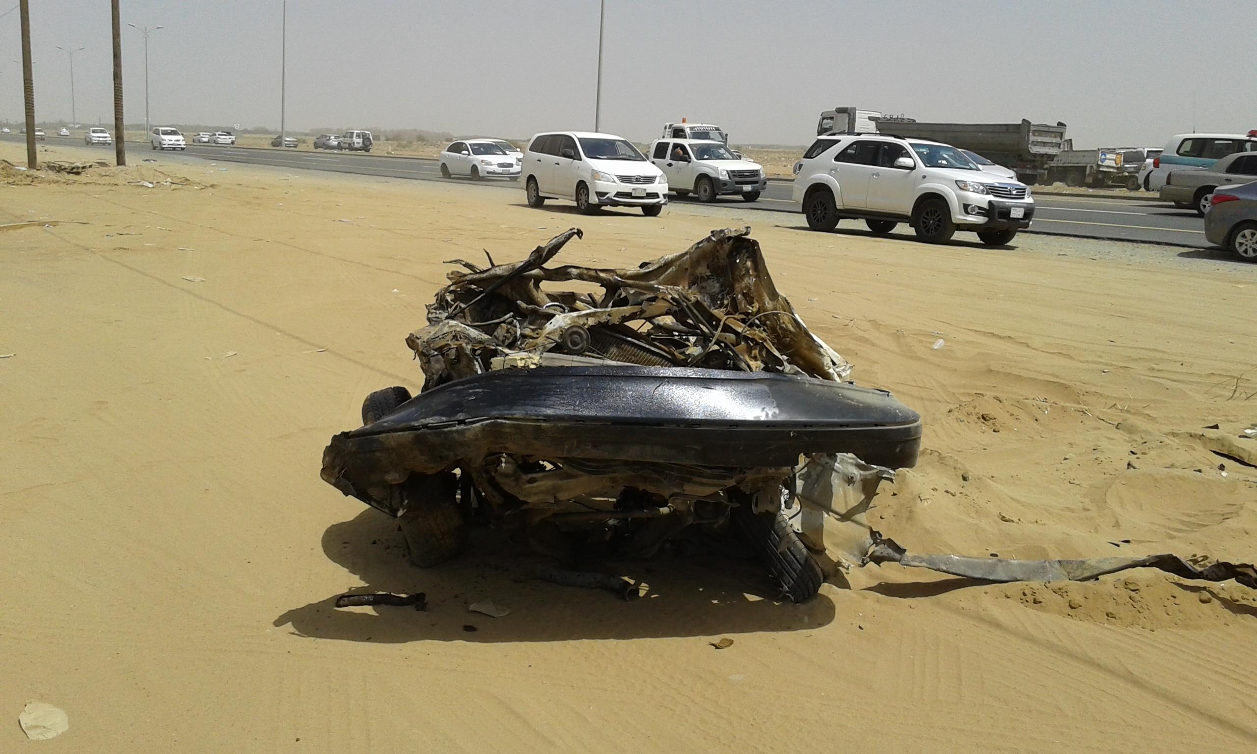 وفاتين و4 إصابات حرجة في حادت تصادم بجازان (4)