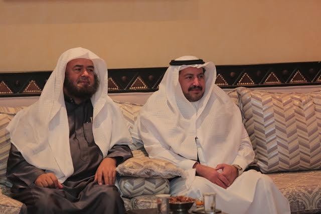 وفد تحفيظ الرياض في ضيافة الدكتور جارالله العضيب1