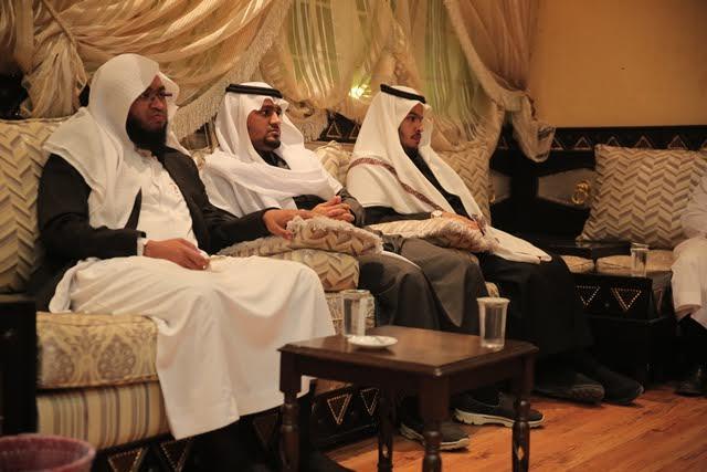 وفد تحفيظ الرياض في ضيافة الدكتور جارالله العضيب2