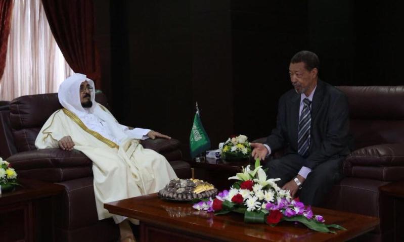 وفد ديوان المظالم العامة بجمهورية السودان يزور استئناف وإدارية الرياض