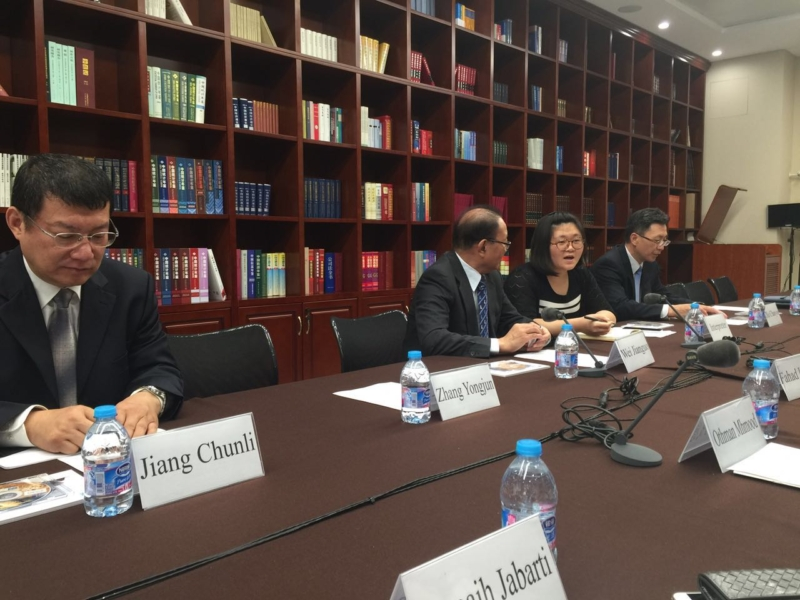 وفد رؤساء التحرير يزور المركز الصينيّ(86314999)  
