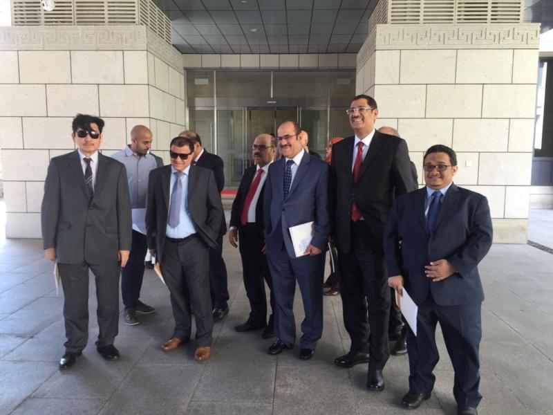 وفد رؤساء التحرير يزور المركز الصينيّ(86315683)  