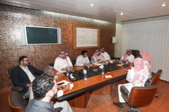 بالصور.. وفد لجنة التراخيص يزور ناديي الأهلي والاتحاد - المواطن