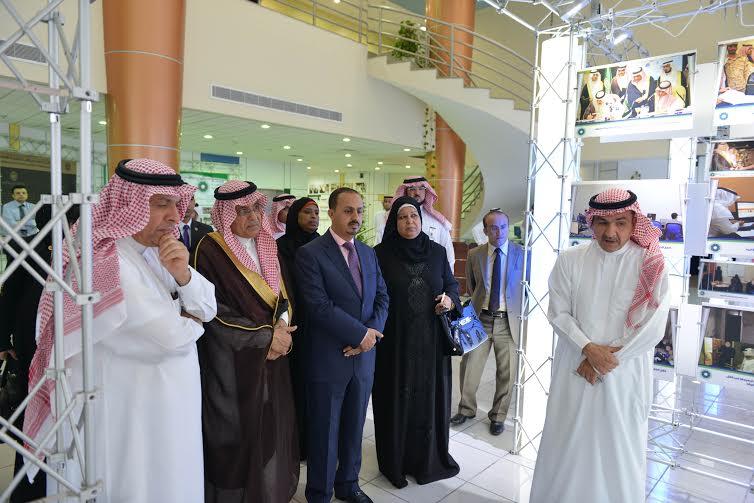 وفد من جامعة الدول العربية يزور مؤسسة محمد بن فهد للتنمية الانسانية (2)