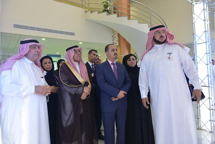 وفد من جامعة الدول العربية يزور مؤسسة محمد بن فهد للتنمية الانسانية (3)