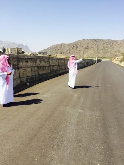 وقف أعضاء المجلس البلدي بمحافظة أضم 5