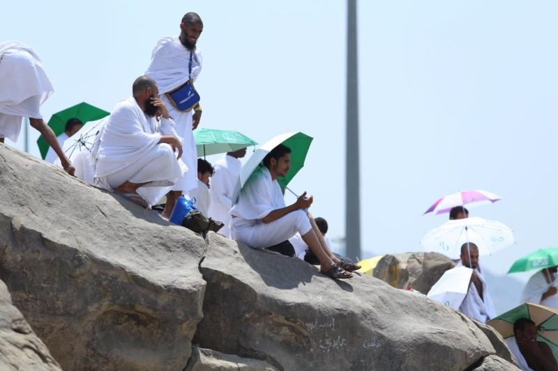 وقوف الحجاج في عرفة (85600790) 