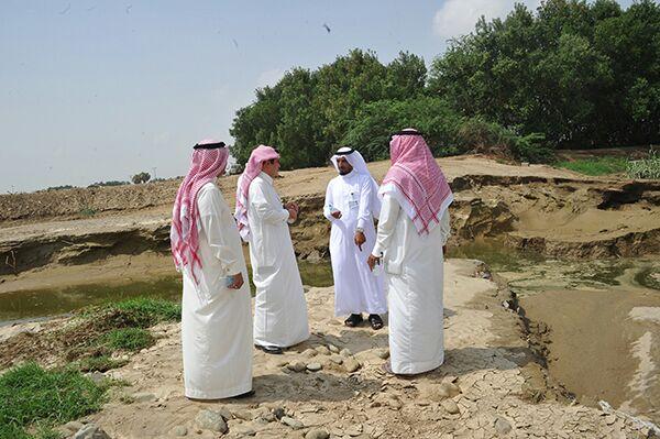 وكيل وزارة الزراعة للتنمية يزور جازان للوقوف على اثار الامطار والسيول (3)