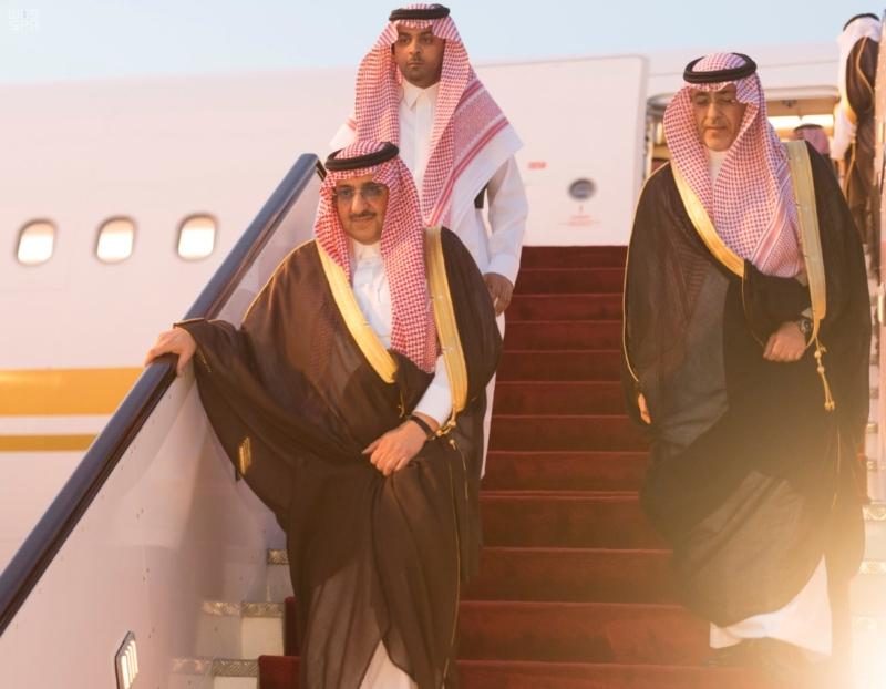ولي العهد قادما من قطر بعد العزاء في الشيخ خليفة