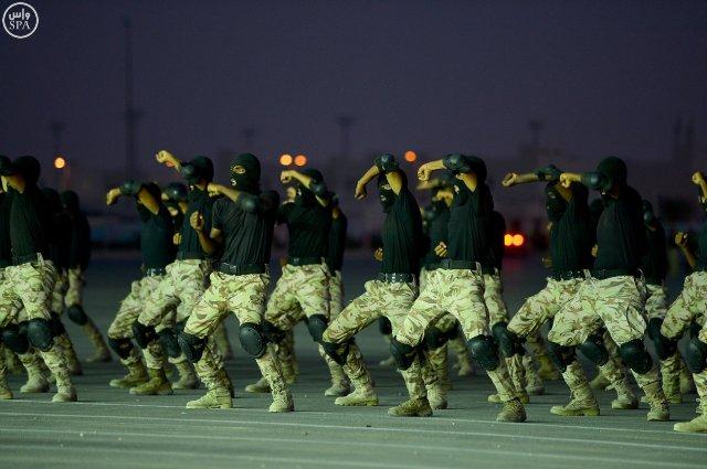 ولي-العهد-يرعى-العرض-العسكري (2)