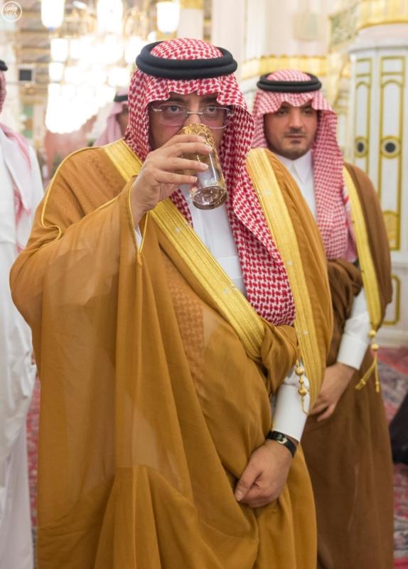 ولي العهد يزور المسجد النبوي  (1)