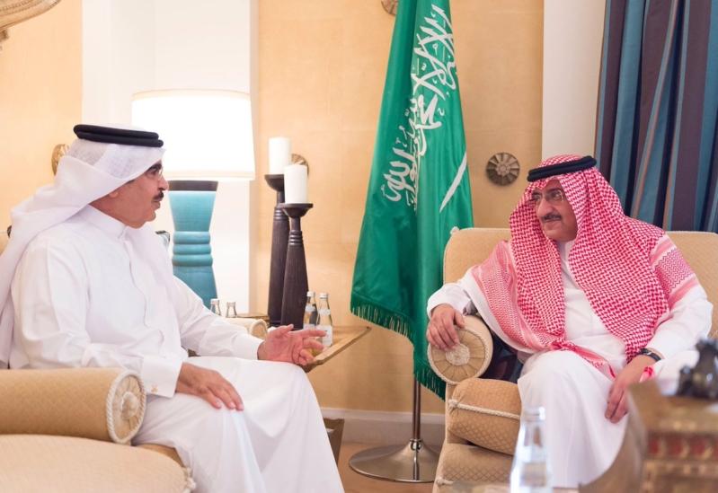ولي العهد يستقبل وزير داخلية البحرين في جدة (2)