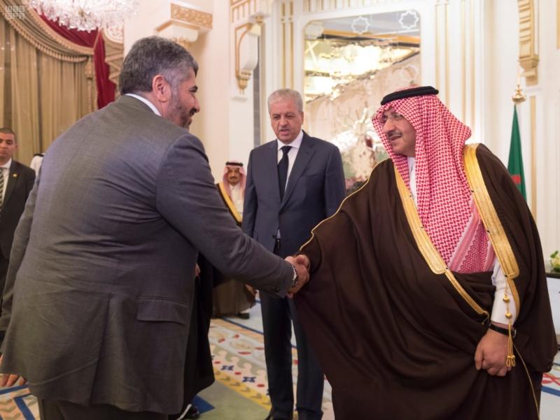 ولي العهد يقيم مأدبة عشاء لرئيس وزراء الجزائر1
