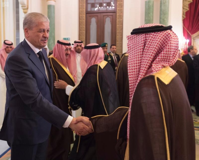 ولي العهد يقيم مأدبة عشاء لرئيس وزراء الجزائر14