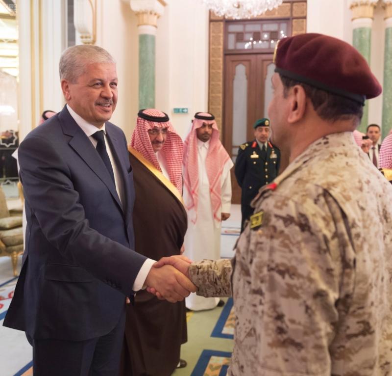 ولي العهد يقيم مأدبة عشاء لرئيس وزراء الجزائر15