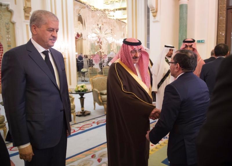 ولي العهد يقيم مأدبة عشاء لرئيس وزراء الجزائر2