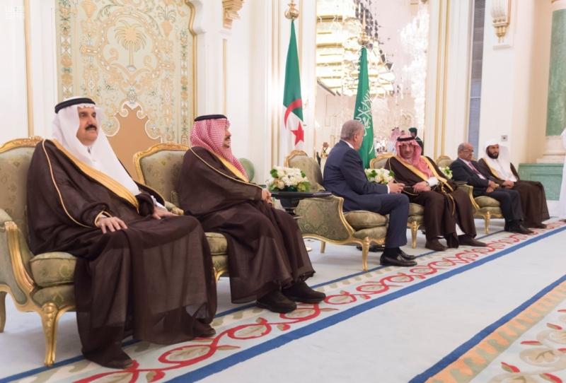 ولي العهد يقيم مأدبة عشاء لرئيس وزراء الجزائر4