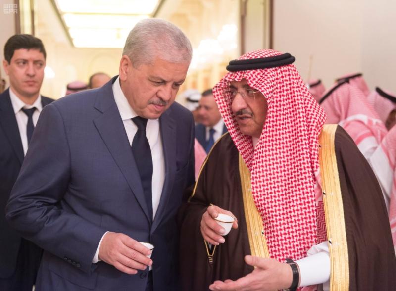 ولي العهد يقيم مأدبة عشاء لرئيس وزراء الجزائر5