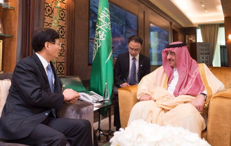 ولي العهد يقيم مأدبة غداء عمل للمبعوث الخاص للرئيس الصيني3