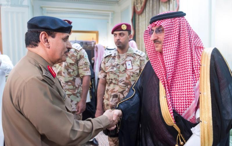 ولي العهد يلتقي قادة القطاعات العسكرية16