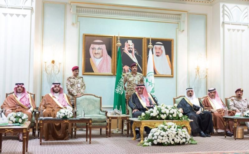 ولي العهد يلتقي قادة القطاعات العسكرية3