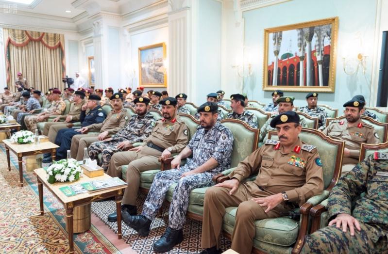 ولي العهد يلتقي قادة القطاعات العسكرية4