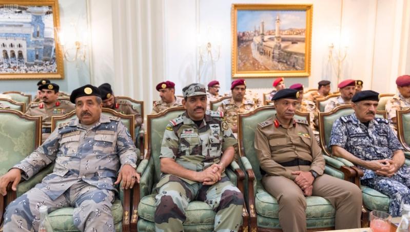ولي العهد يلتقي قادة القطاعات العسكرية5