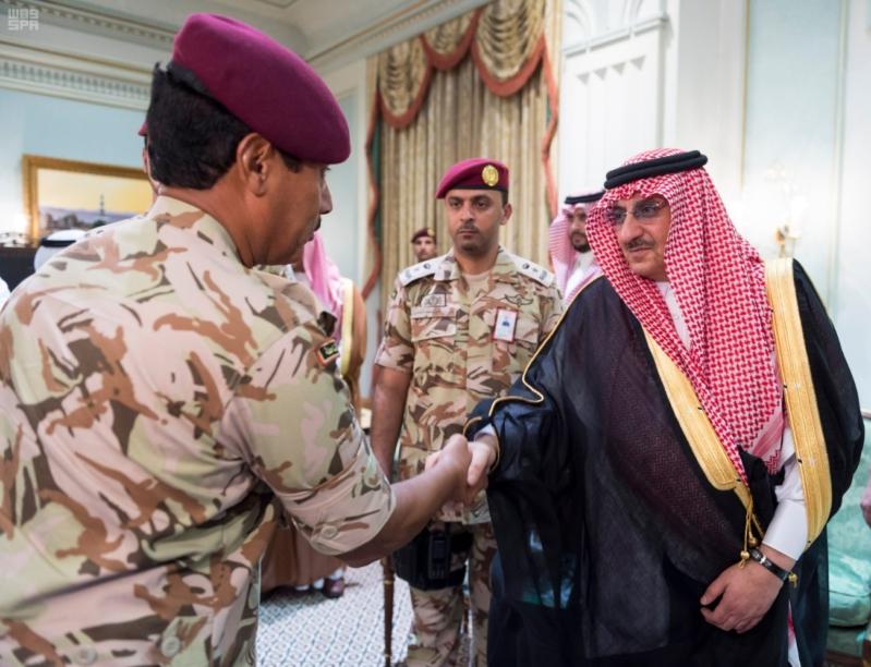 ولي العهد يلتقي قادة القطاعات العسكرية6