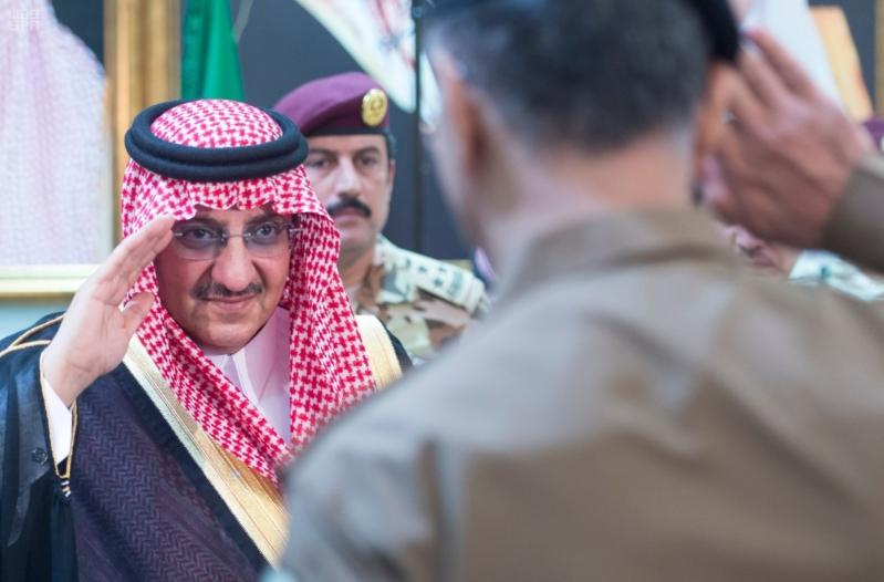 ولي العهد يلتقي قادة القطاعات العسكرية8