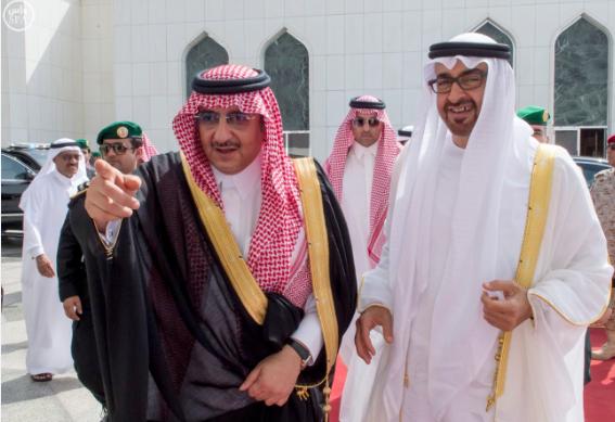 ولي عهد ابو ظبي يغادر جدة5