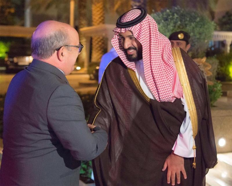 ولي ولي العهد مع وزير الدفاع البرتغالي