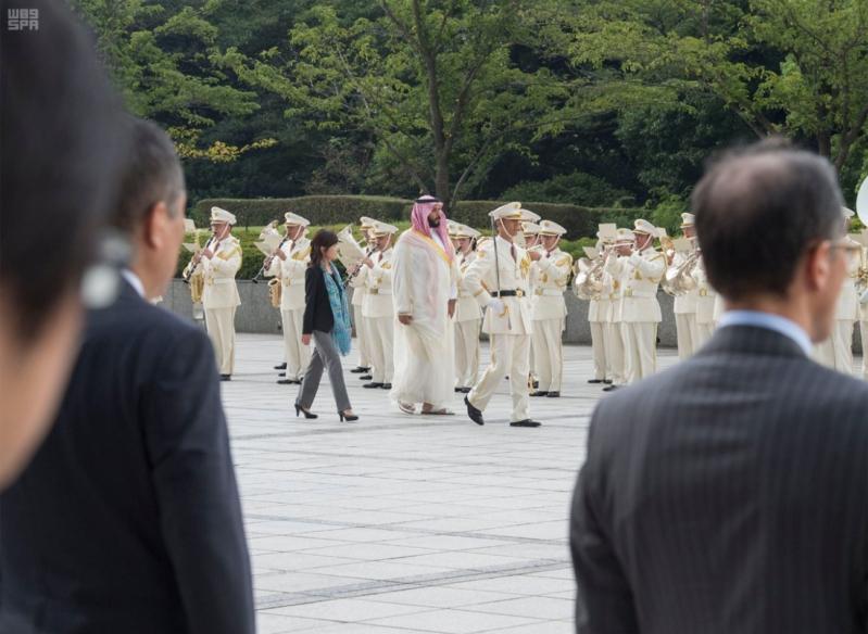 ولي ولي العهد ووزيرة دفاع اليابان 7