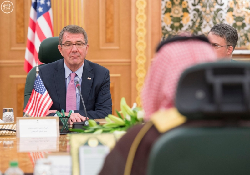 ولي ولي العهد يستقبل وزير الدفاع الامريكي (35062276) 