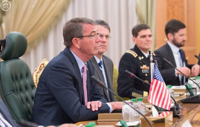 ولي ولي العهد يستقبل وزير الدفاع الامريكي (35062277) 