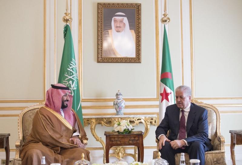 ولي ولي العهد يلتقي الوزير الأول الجزائري (1)