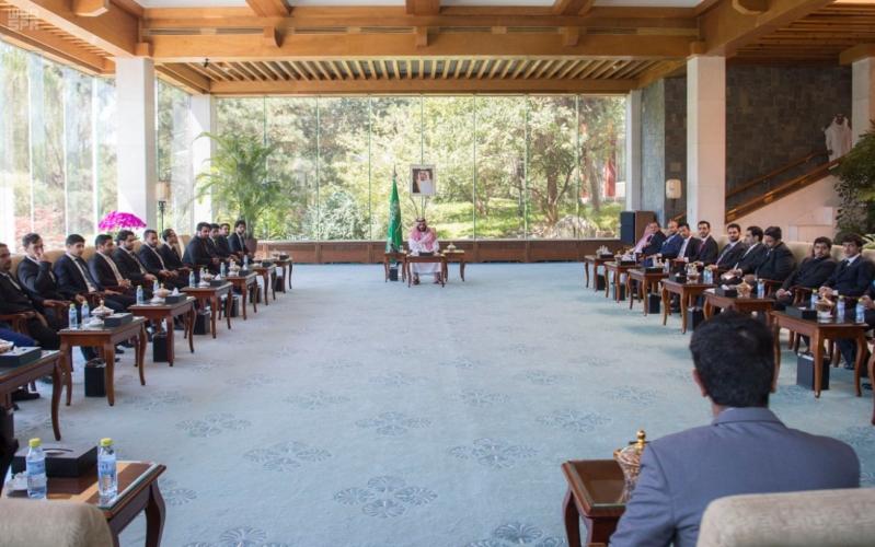 ولي ولي العهد يلتقي بالطلبة في الصين3