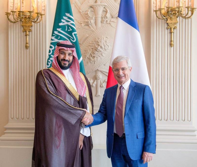 ولي ولي العهد يلتقي رئيس الجمعية الوطنية الفرنسية   (1)