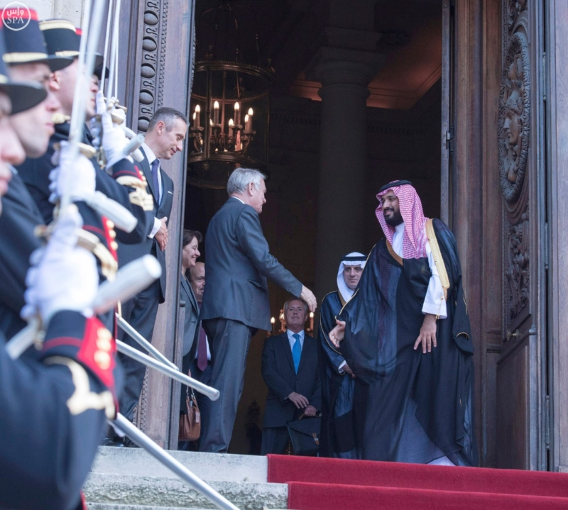 ولي ولي العهد يلتقي وزير الخارجية الفرنسي ويبحث معه تطورات الأحداث بالمنطقة