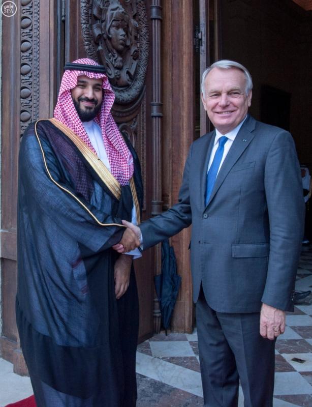 ولي ولي العهد يلتقي وزير الخارجية الفرنسي ويبحث معه تطورات الأحداث بالمنطقة2